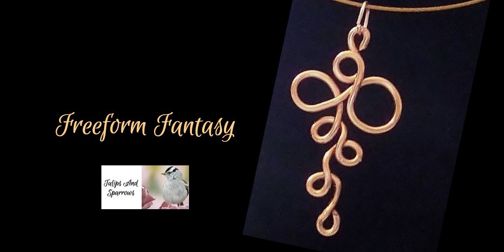 #copperjewelry #artisanjewelry #freeformjewelry #freeformpendant #wireworkjewelry #artwirejewelry #modernjewelry #coppernecklace #coppercollar #copperpendant