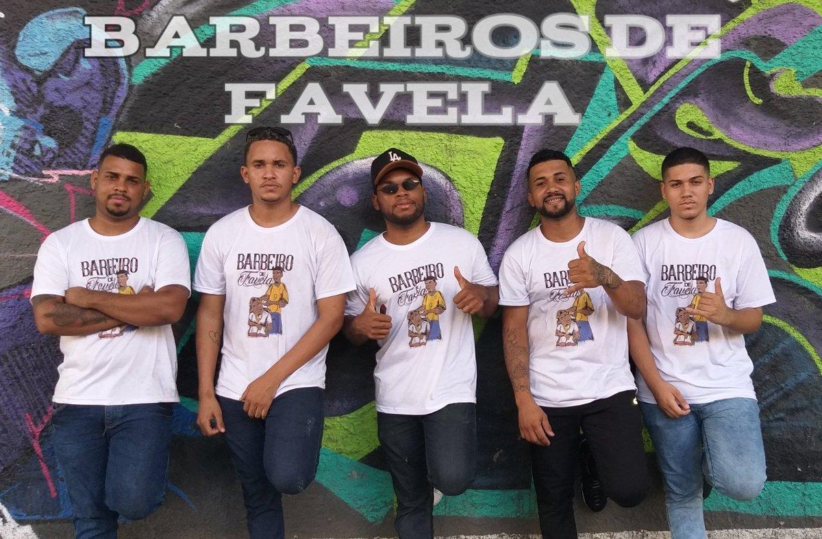 Essa é a rapaziada que participou da ação social nas ruas de Niteroi que dia maravilhoso tivemos momentos incrível   Mário barbeiro  Matheus Barbeiro  Cabelinho Barbeiro  Diogo Barbeiro  Deivison Barbeiro   Tmj rapaziada de coração pic.twitter.com/T820WRejFn