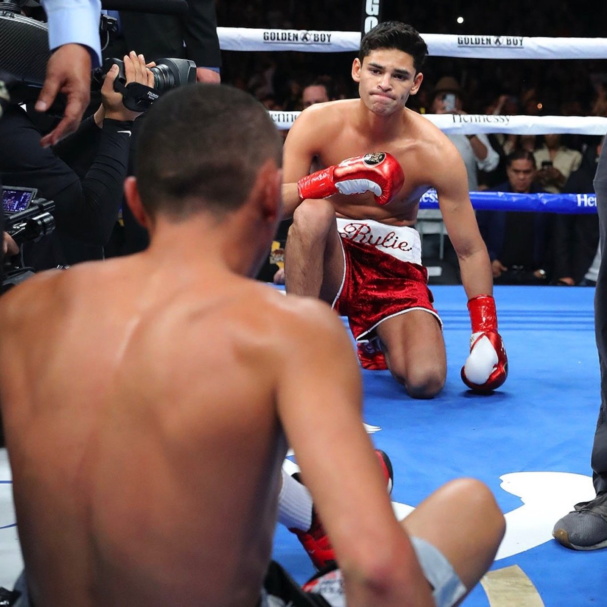 WBC Silver lightweight champion Ryan Garcia (20-0, 17 KOs) destroyed challenger Francisco Fonseca (25-3-2, 19 KOs) by a first round knockout at the Honda Arena in Anaheim. #boxing #wbc #garciafonseca #lightweight