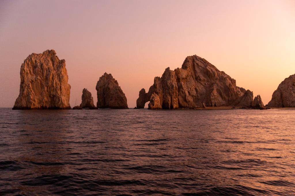 Words cannot describe how amazing this place is. Experience #LosCabos and enjoy up to 25% off: http://spr.ly/60141cpnK#JWLosCabos #Mexico #OceanView #CaboSanLucas #Vacation