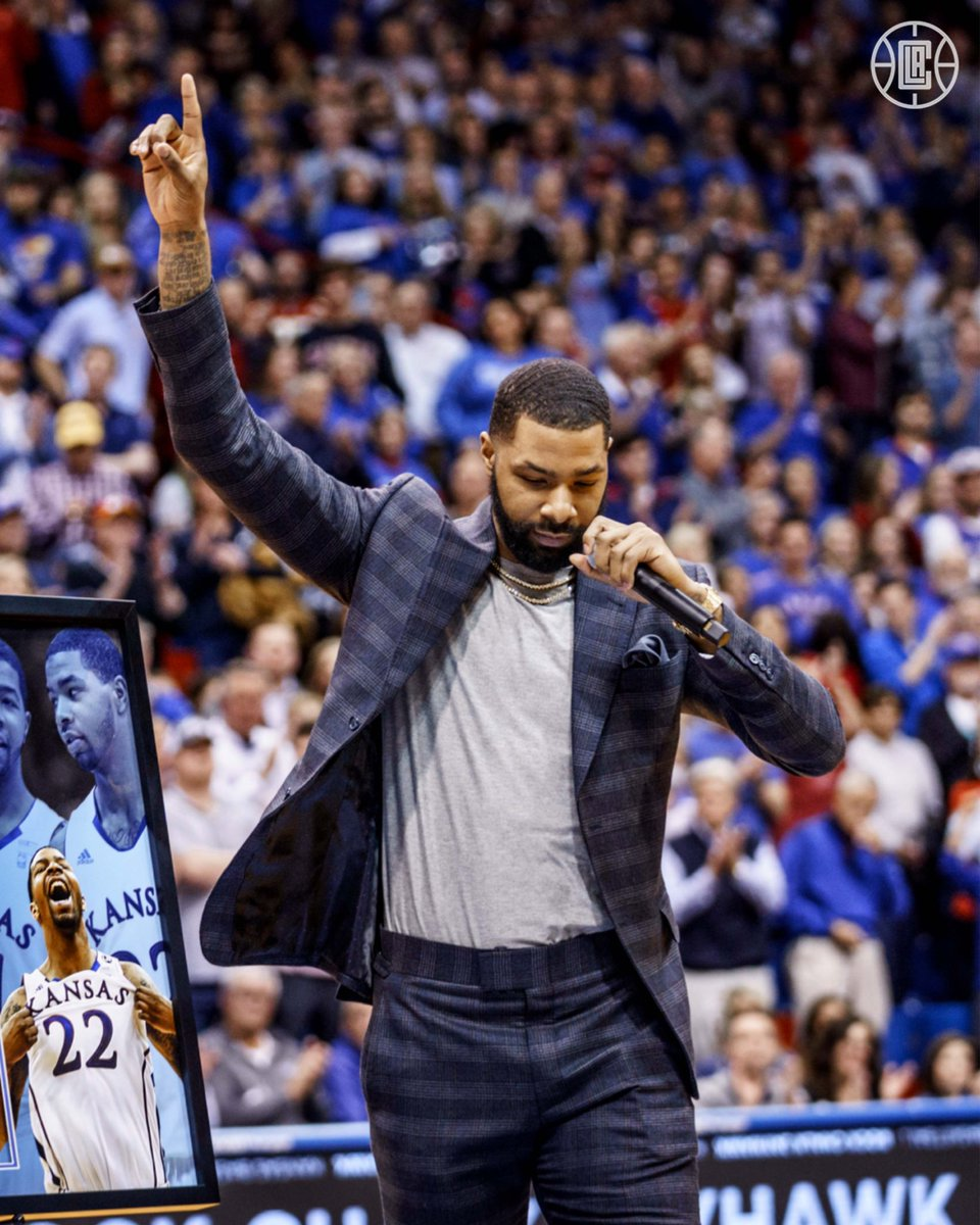 A memorable moment for Mook. @MookMorris2 has his No. 22 sent to the rafters at @KUHoops.