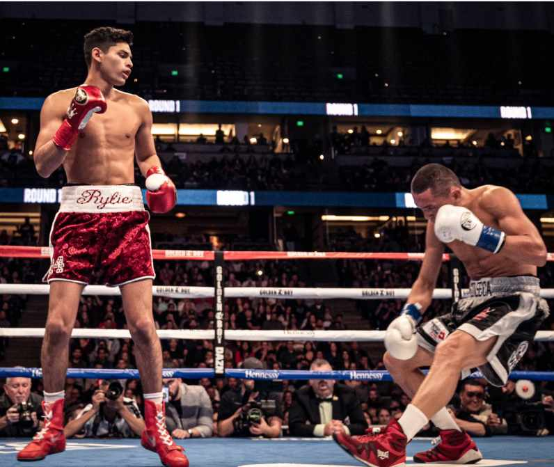 @KingRyanG's Thunderous KO Tops This Week's Installment of HITS and MISSES  https://tss.ib.tv/boxing/featured-boxing-articles-boxing-news-videos-rankings-and-results/63180-ryan-garcias-thunderous-ko-tops-this-weeks-installment-of-hits-and-misses…  #boxing #boxer #boxingnews #fight #fights #fighter #fightnews #sports #sportsnews #boxingworld #boxeo #boxen #boxe #GarciaFonseca #plantfeigenbutz