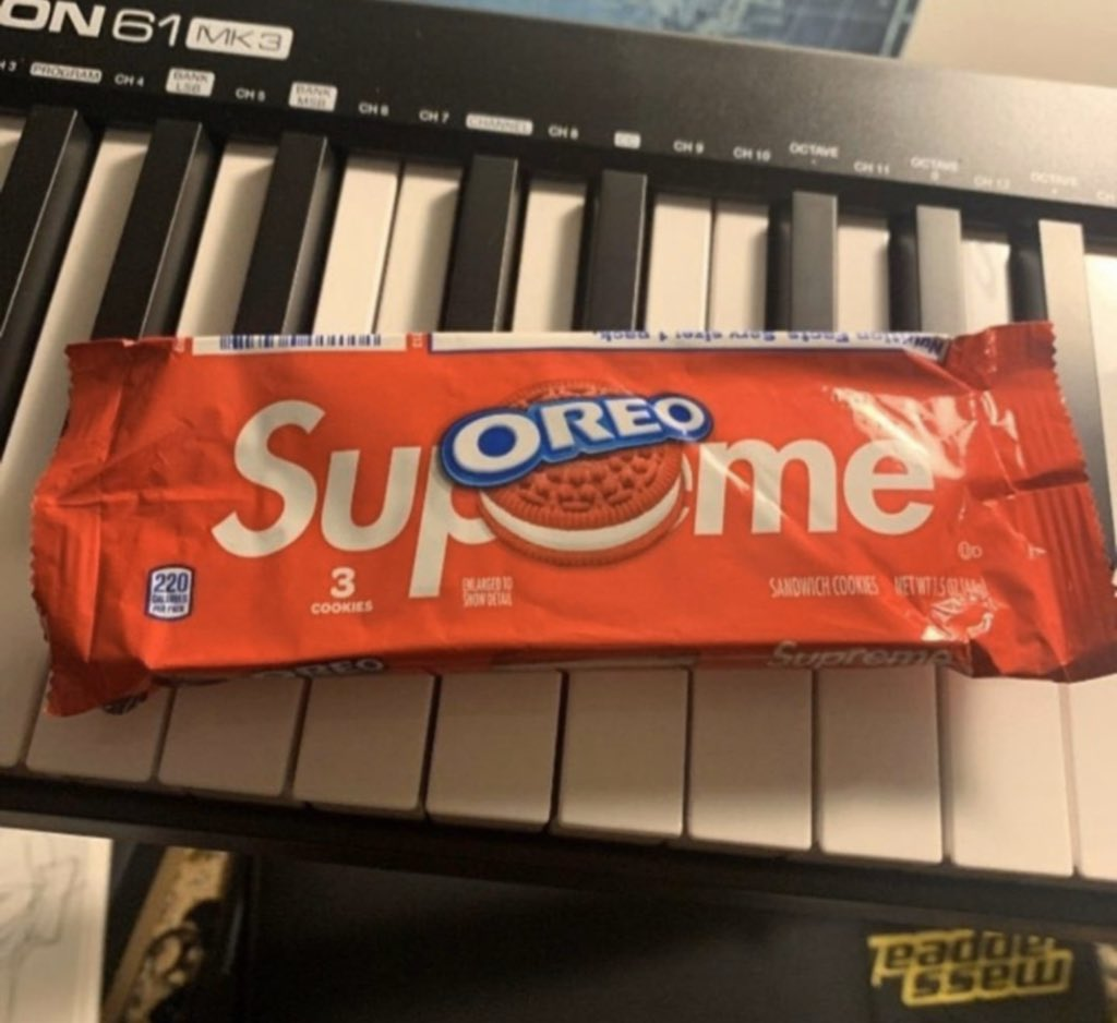 Supreme/Oreo  Coming this season but for now a look at the official packaging.   (Not dropping this week)