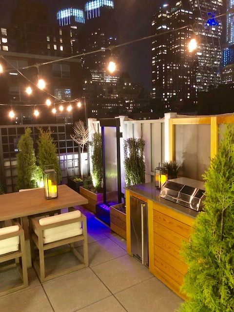 Twinkle Twinkle    #dcloc #dioncitylandscapes #outdoor #outdoorliving #NYC #outdoorliving #rooftop #kitchen #handmade #oneofakind #ilovemyjob #workinghard #workingtogether