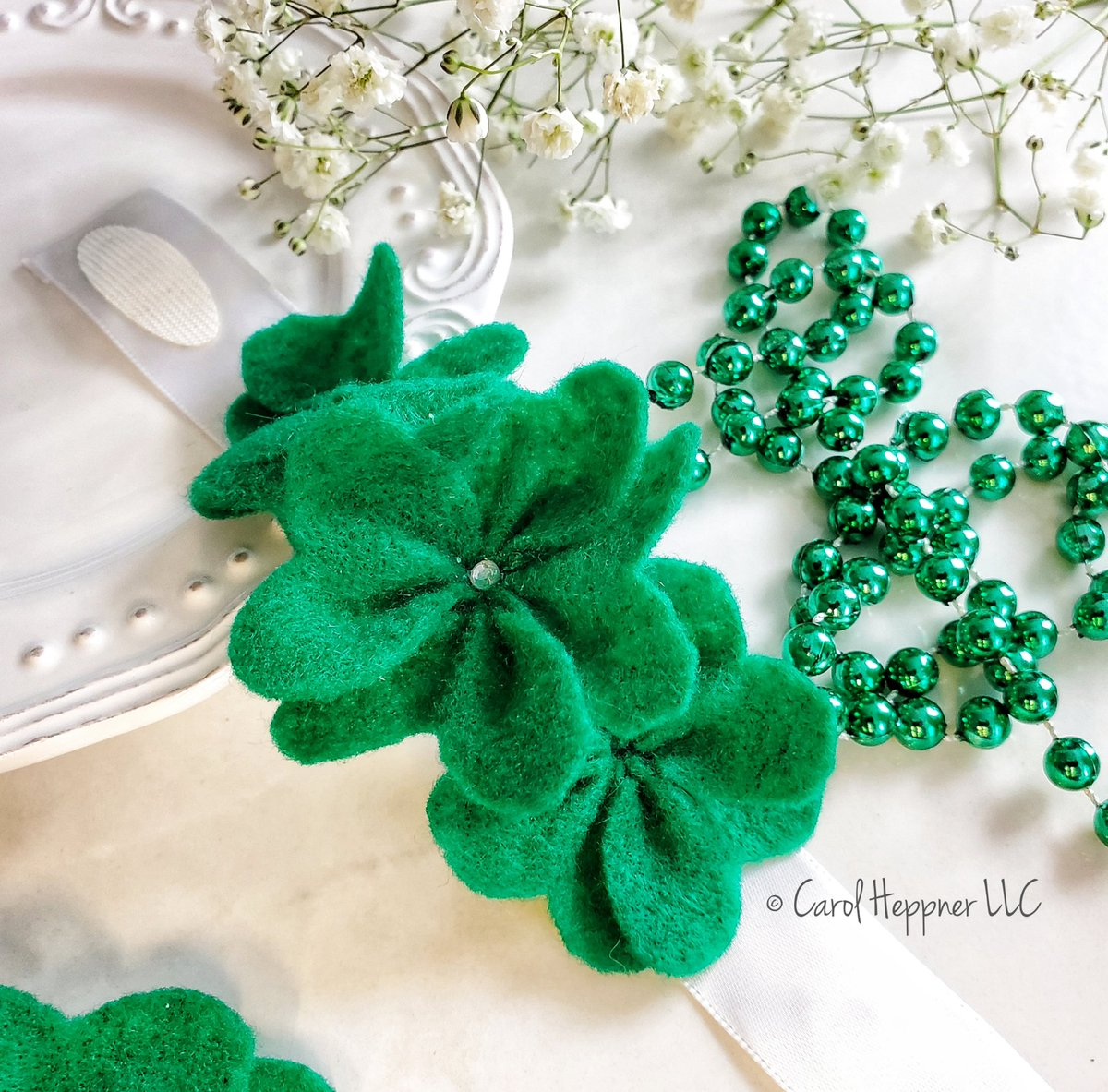 Today on the blog: 🍀 Felt-Shamrock Bracelet for St. Pat's Day.  This cute bracelet is fun to make and wear to celebrate the day. Grab the free instructions . #ad #mondaythoughts #craft #handmade #familyfun #StPatricksDay