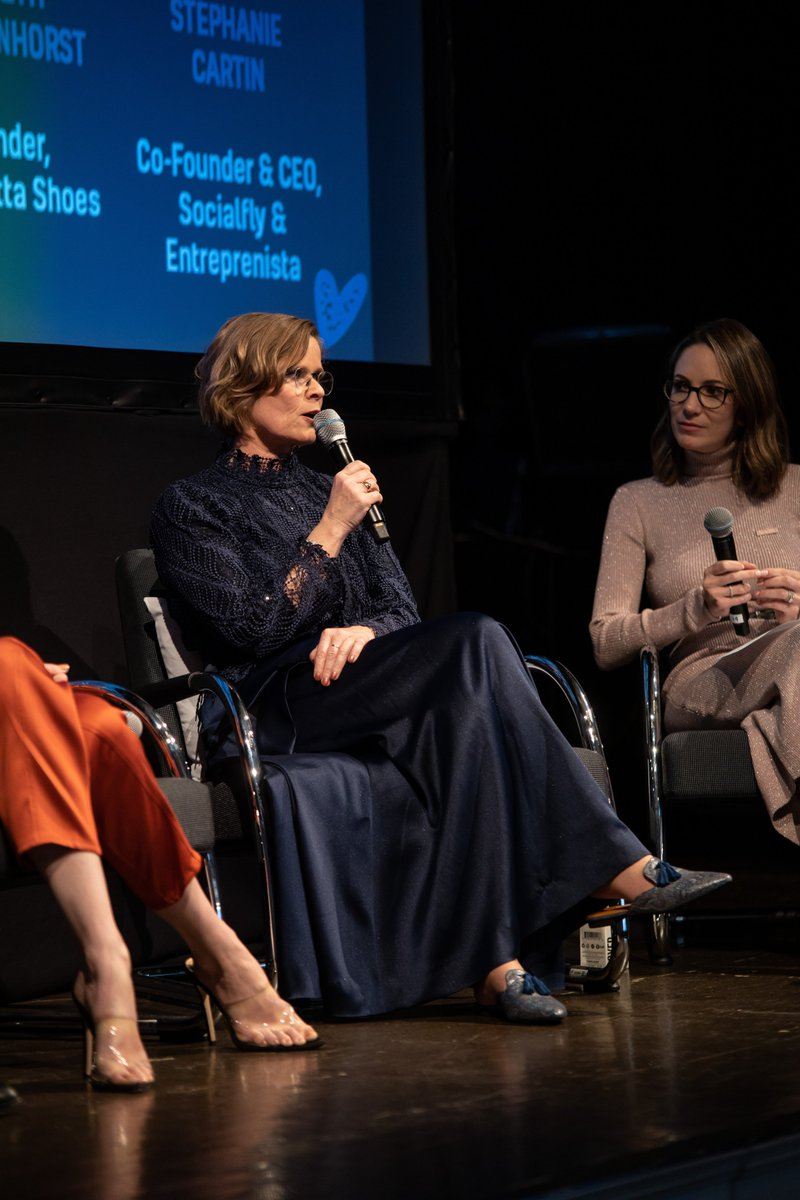 "Five incredible women: Sandra Campos @SandraCamposNYC, Coco Rocha @cocorocha, Ariane Goldman, the funder of @HATCHcollection, Elsbeth Blekkenhorst-Tammes @ElisabiettaB and Stephanie Cartin who is the CEO of @Socialfly gave inspiring speech about ""Fashion is empowerment of women.""pic.twitter.com/fbTHxImjyW"