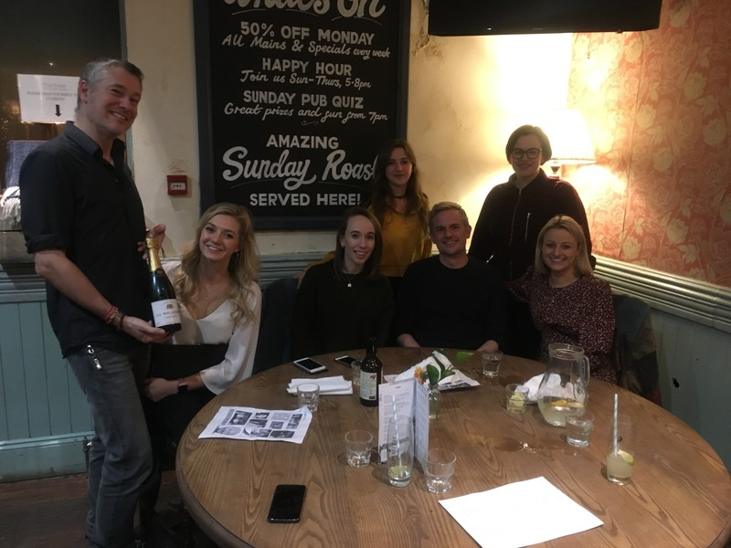 This week's winners were 'Dave and the ballerinas' at our weekly #PubQuiz @TheRoseFulham ! #Fulham http://question.one/ZXWHGgpic.twitter.com/xTjwvfqhNV
