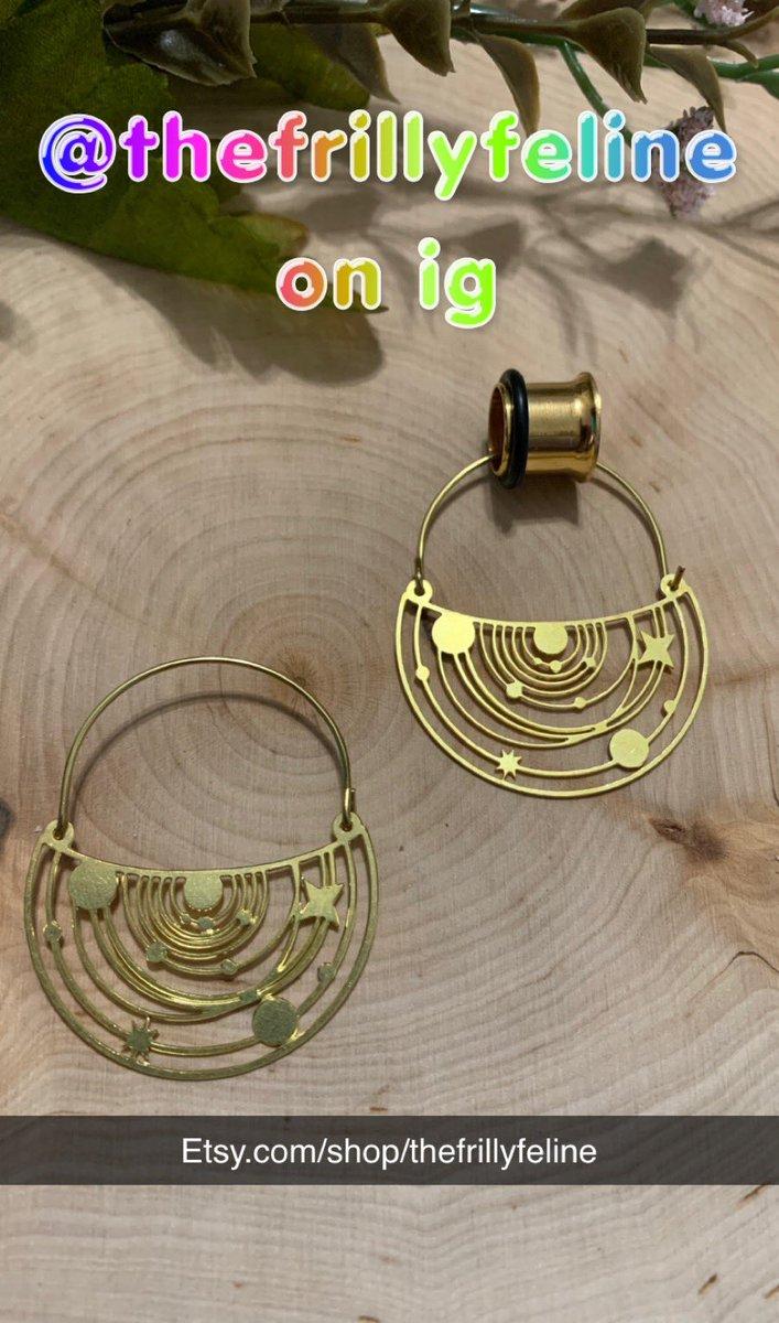 http://Etsy.com/shop/thefrillyfeline… #gauges #eargauges #gauge #gaugedears #girlswithgauges #earpiercings #earpiercing #earrings #plugs #plugearrings #dangleplugs #stretchedears #alternative #alternativegirls #piercings #girlswithpiercings #girlswithtattoos #jewelrypic.twitter.com/fK6Z90g5h3