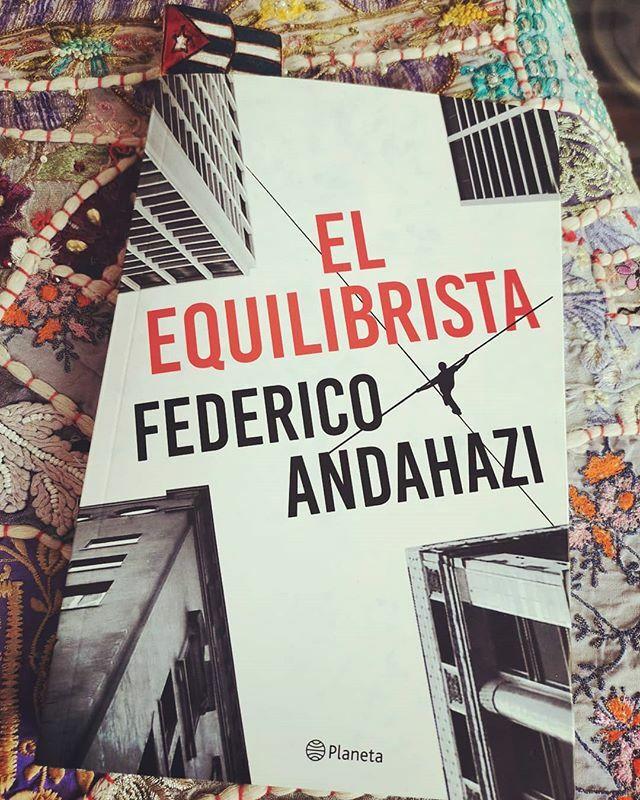 Comenzando a leer a uno de mis escritores favoritos... Traído desde el otro lado de la cordillera #federicoandahazi #elequilibrista #relatos #BuenosAires #separador #cuba#lectura #amorporloslibros #https://ift.tt/2SAin0Spic.twitter.com/bN8LfYyTlS