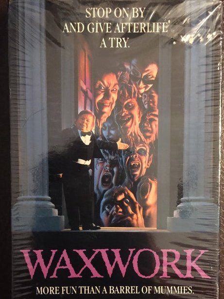 The best VHS #horror boxes.    Share your favorites.  I will start it with this one... pic.twitter.com/l5sq0l1Q0X