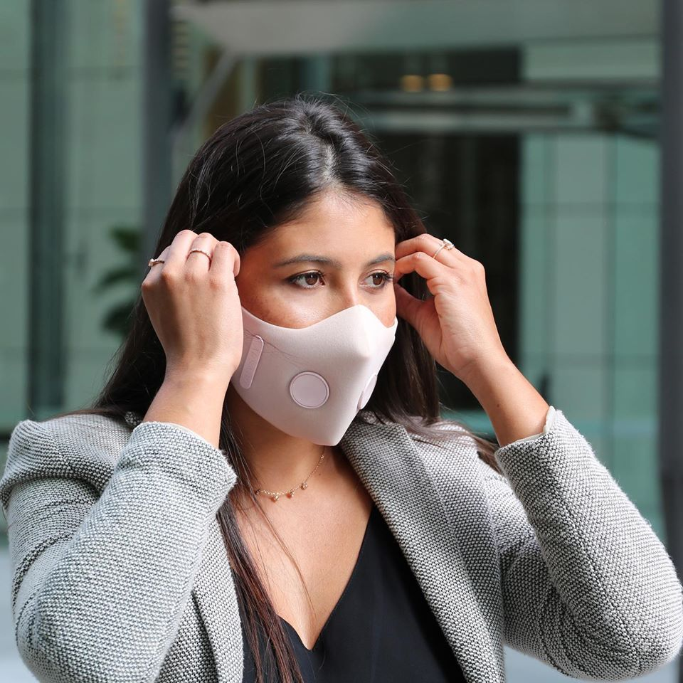 Sydney graduates launch new reusable #airpollution face mask with grant from the #SydneyGenesis Startup Program. Learn more about the mask: https://bit.ly/2vDIuv9  #startup #entrepreneur #airquality #kickstarter