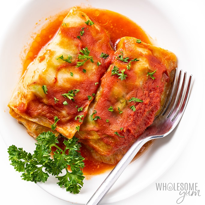 In honor of #NationalCabbageDay, here is a great #keto & #lowcarb cabbage roll recipe from @wholesomeyum!  https://www.wholesomeyum.com/low-carb-keto-cabbage-rolls-recipe/…pic.twitter.com/WhwMb3QHC5