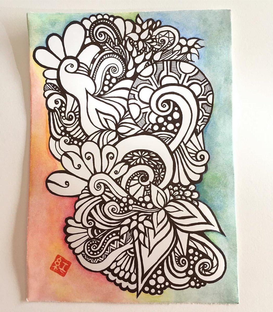 2年前の今日完成のお絵描き  A5判。 #ケント紙 #ボールペン #水彩色鉛筆 #ジェットストリーム #jetstream  #べにたんぐる #benitangle #zentangle #zentangleinspiredart #lineart #drawing #線画 #penart #doodle #zendoodle #watercolorpencils #ballpointpenpic.twitter.com/Za1AUZuFm6