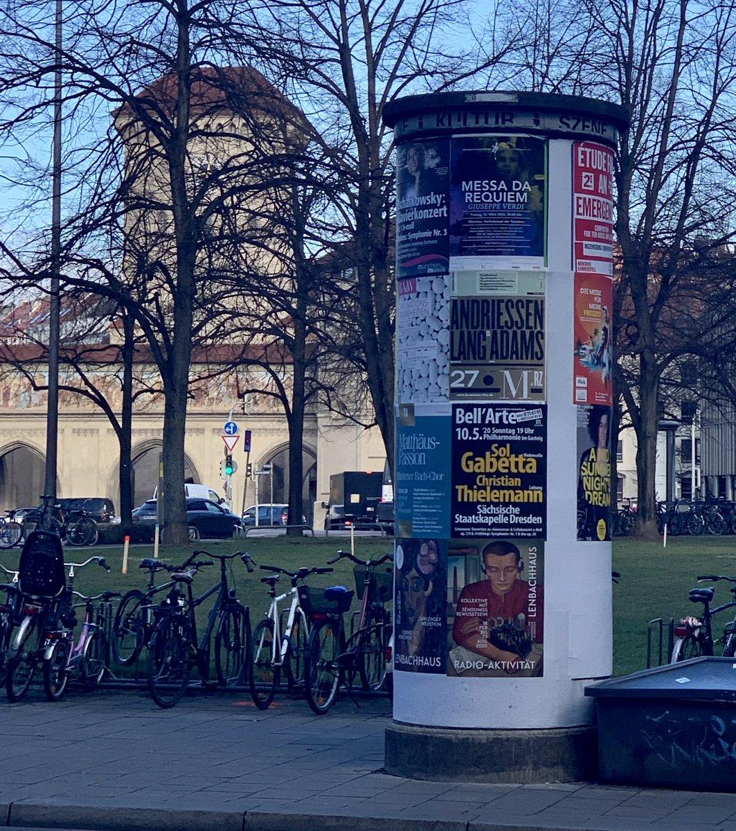 Auf dem Weg zum @Fraunhofer Symposium #Netzwert. Gerade entdeckt, dass die @StaatskapelleDD im Mai auch in München unterwegs sein wird - sehr schön! #sogehtsächsisch pic.twitter.com/3j2iqOlP8T