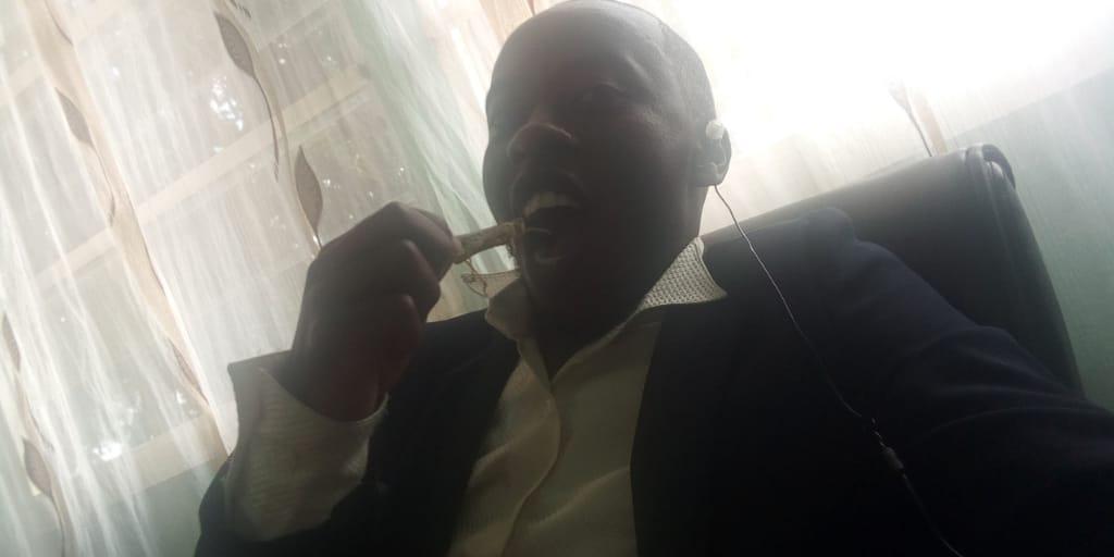 Hehehe @KineniWaEmbu @annjogu @radiomaisha Simeone pelekeeni Kineni ugali Na chumvi #Staarabika