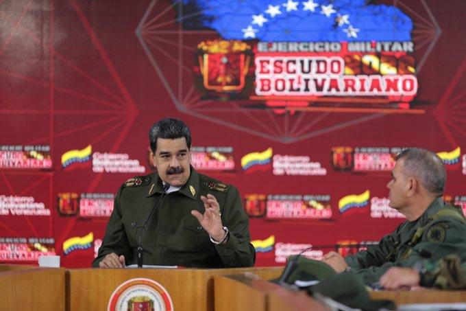 Ejercicios militares Escudo Bolivariano 2020 se mantendrán activos https://bit.ly/2vDIkDT #YoSoyDeAquipic.twitter.com/QhRAxoqNvB