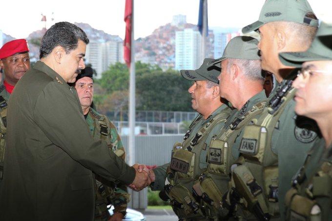Más de 2 millones 500 mil militares movilizó el Escudo Bolivariano 2020 https://bit.ly/2SXSgQu #YoSoyDeAquipic.twitter.com/z7E0hptdp2