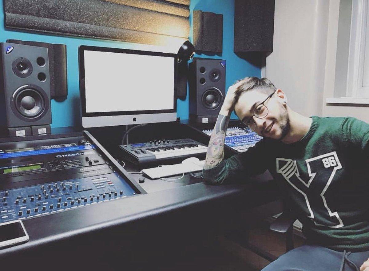 Kevin Moncado  on MojoHeadz Records / http://mojoheadz.com #mojoheadz #mojoheadzrecords #producerlife #djlife #protocolrecordings #revealedrecordings @mojoheadzpic.twitter.com/YRaEtPMXkk