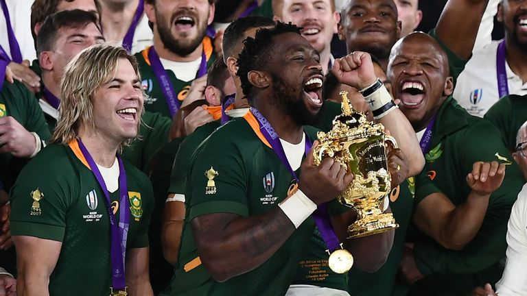 test Twitter Media - 🇿🇦 @Springboks beat @LFC to Laureus team award  Rugby World Cup winners South Africa were named the Team of the Year at the Laureus World Sports Awards, beating Champions League holders Liverpool: https://t.co/tOrUstacUv https://t.co/Pa8W05EbL5