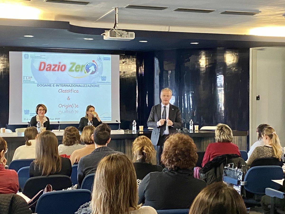 Legnano  Al via la 2° edizione di Dazio Zero per sensibilizzare le aziende al corretto uso della #classifica e #origine delle #merci  @ITAtradeagency @Confindustriapic.twitter.com/QrxbVXv7Ke