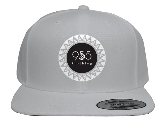 Grey snapback with velvet and tribal pattern logo #955klothing #streetwear #streetwearfashion #outfitoftheday #kenya #lookoftheday #fashion #nairobi #outfitinspo #outfitgoals #outfitinspiration #currentlywearing #lookbook #streetstyle #whatiwore #whatiworetoday #ootdsharepic.twitter.com/HNoEe2c64p