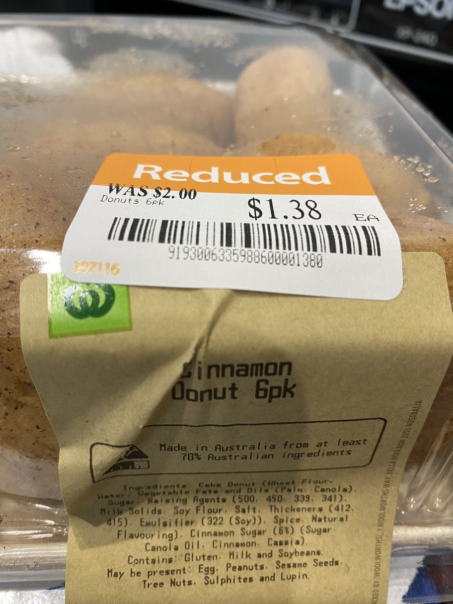 @woolworths I was charged full price and won't return just to get a 62 cent refund, but a little disappointing #italladdsup #stillyummy pic.twitter.com/ZW2VVjOM3a