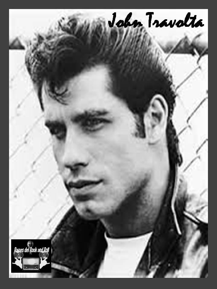 """Un Día como Hoy 18 de Febrero pero de 1954 Nace el Actor, Cantante y Bailarin Estadounidense """"John Travolta"""" Originario de """"New Jersey"""" Salta a la Fama  Gracias al Film """"Saturday Night Fever"""" en el Papel de """"Tony Manero""""  #JohnTravolta #GreatActor #GreatDancer #SaturdayNightFeverpic.twitter.com/4EnHUssOZS"""