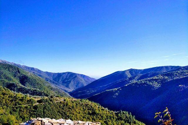 #Liguria #sunnyday #argallo #badalucco #mountainlove https://ift.tt/3bNSUbWpic.twitter.com/wwPPF9LMmO