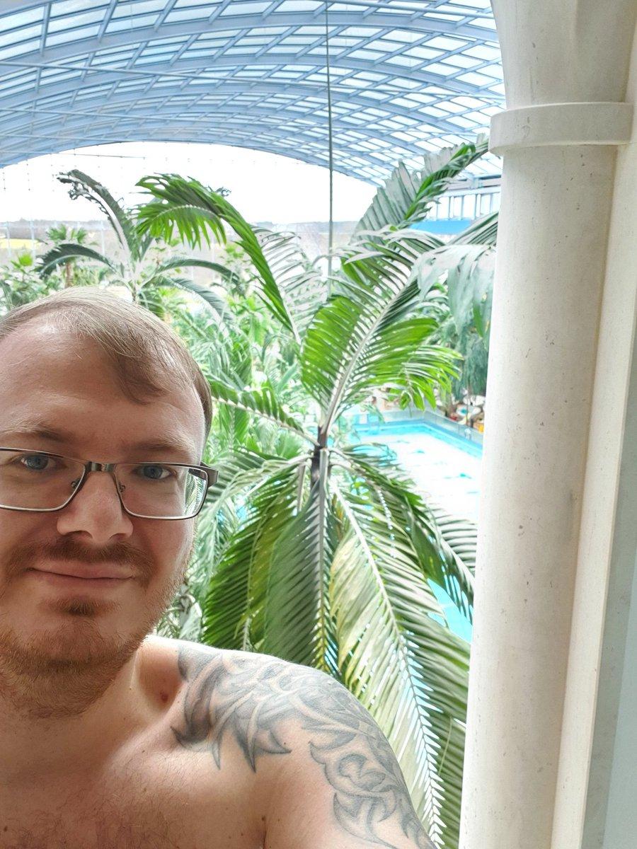 Gestern noch ein Tag Urlaub. Heute wieder nach Hause und später stream. Ein schöner Tag war es!  #urlaub #stream #twitch #youtube #draqner #erholung #thermepic.twitter.com/2VIkOUfD1e