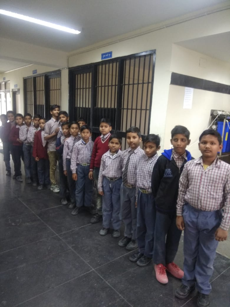 Visit of school children to the Police Stations of Dwarka District during #DelhiPoliceWeek @CPDelhi@DelhiPolice@LtGovDelhi