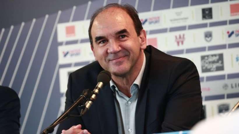🎙#Ricardo : «J'ai gardé de vrais amis à @Bordeaux, au club et en dehors. Je suis attaché à cette ville et au club. Je passe le 👋 aux supporters. Ils ont toujours été derrière l'équipe. Je leur souhaite de vivre de beaux moments grâce aux @girondins dans le futur.»  @sudouest