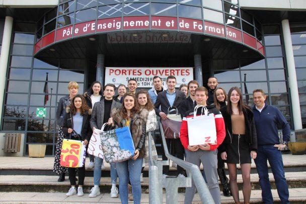 Aveyron Mon Sac : si jeunes et déjà entrepreneurs ! https://www.media12.fr/aveyron-mon-sac-si-jeunes-et-deja-entrepreneurs/… #CCIAveyron #entreprendrepic.twitter.com/uWvKPNKqjT