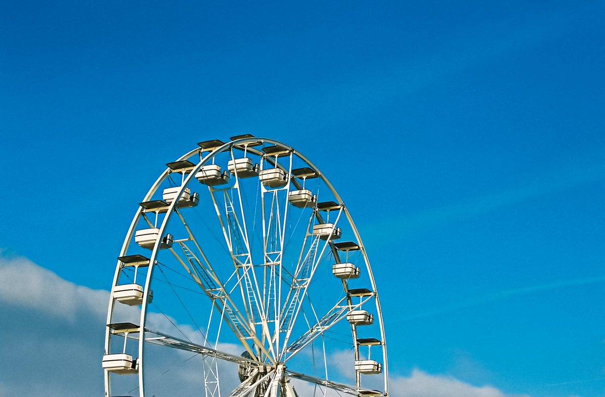 Barry Island Big Wheel #barryisland,#filmisnotdead #filmisalive,#ibelieveinfilm,#35mmfilm #fujifilm #nikonf55 check out more 35mm at http://www.delweddauimages.co.uk/440218161?i=167302506…pic.twitter.com/ArjcZ0ULXu