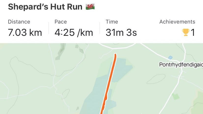 Trying to get back into this running malarkey and no better time than the present 🏴 #gwyliau