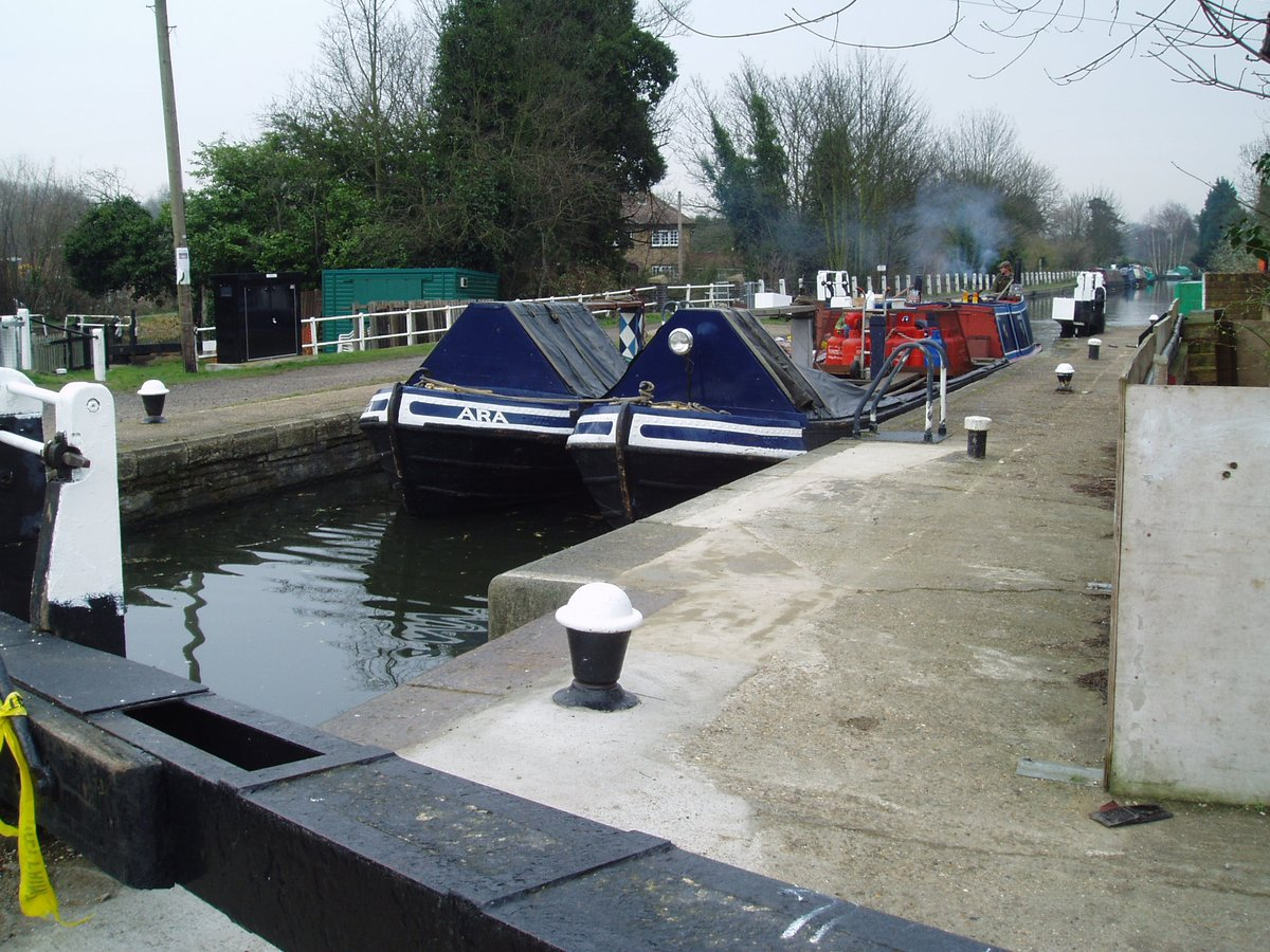 Photos from #February #year2005 #Watford & #Rickmansworth  #GrandUnionCanal   #CanalRiverTrust   #Canals & #Waterways can provide #Peace & #calm for your own #Wellbeing  #LifesBetterByWaterpic.twitter.com/QBXASMAaBA