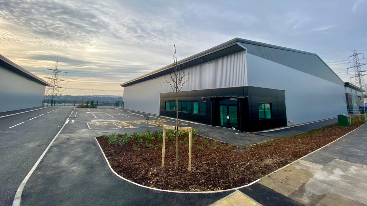 Handed over a whole month early, well done team! BEIGHTON LINK E&F #construction #constructionuk #industrial pic.twitter.com/Ahi9JIEVUN