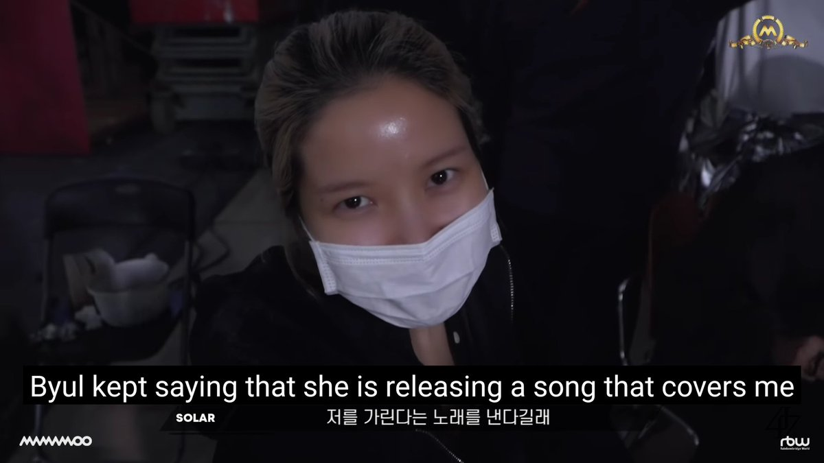 """So Byul """"released a song that covered the sun/Yongsun"""" and even the Sun said she doesnt like that, she still asked to appear in the MV, and came to set to support the Moon, impersonated her greasy dance moves, picked out her point dance  <br>http://pic.twitter.com/AuXzm4ifg2"""