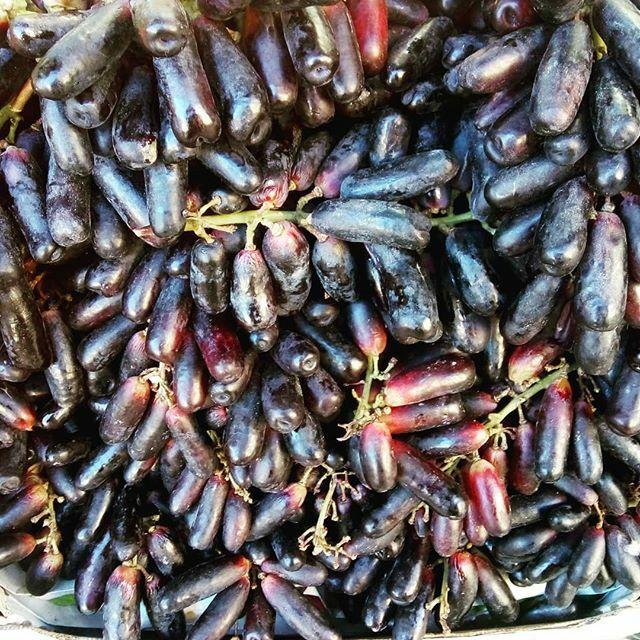 uvas alienígenas #uvas #grapes#tagin #strangerthings #bcn_gracia #savourshop #sosavory #igers #igersgracia
