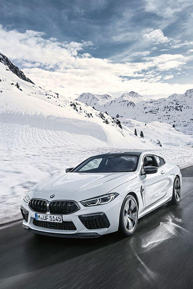 Ir a las carreras de caballos de @WhiteTurf de St.Moritz con unos cuántos caballos propios. BMW M8 Competition Coupé, poderosa elegancia. @bmwm #TheM8 #MartesconM
