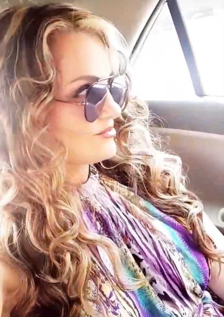 Work in progress...🦋#portrait #auracristinageithner #lapotradelabanda #Colombia #Medellin #goals #happy #smiles #powerwomen #mujeresreales #sunrise #LoveMyLife #2020 #faces #prettygirl #beautiful #beauty #girl #love #adorable #picoftheday 🌹🌹