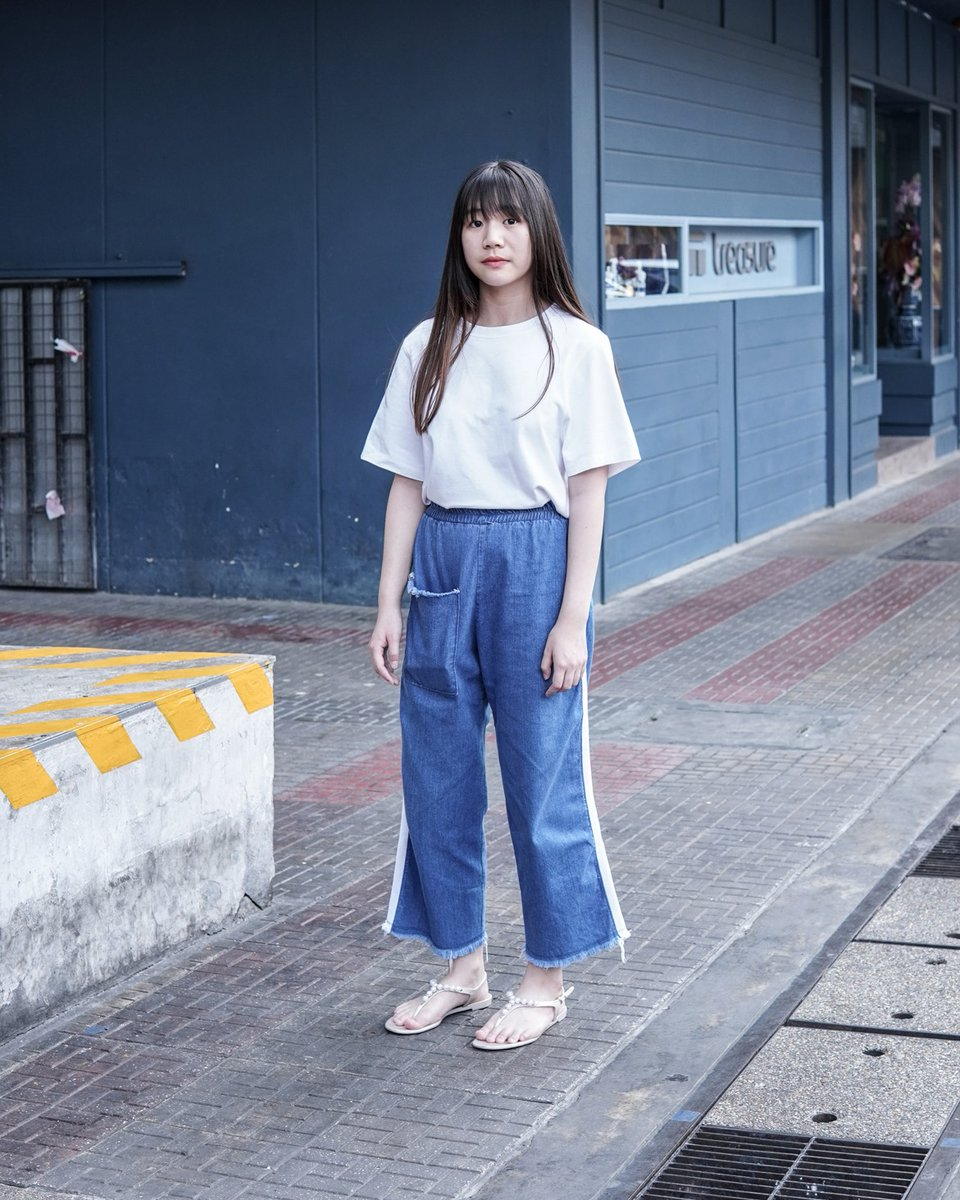 IG : phimvipha_   Top : Uniqlo [390.-] Pants : Siam [690.-] Shoes : Jelly Bunny  [780.-]   #DotSnap #AorB #Guruรุ่นพี่ #fashion #siam #bangkok #thailand #streetfashion #streetstyle #snapshot #outfits #outfitinspiration #lookoftheday #fashionphotography #streetculturepic.twitter.com/ePD6O6UpHY