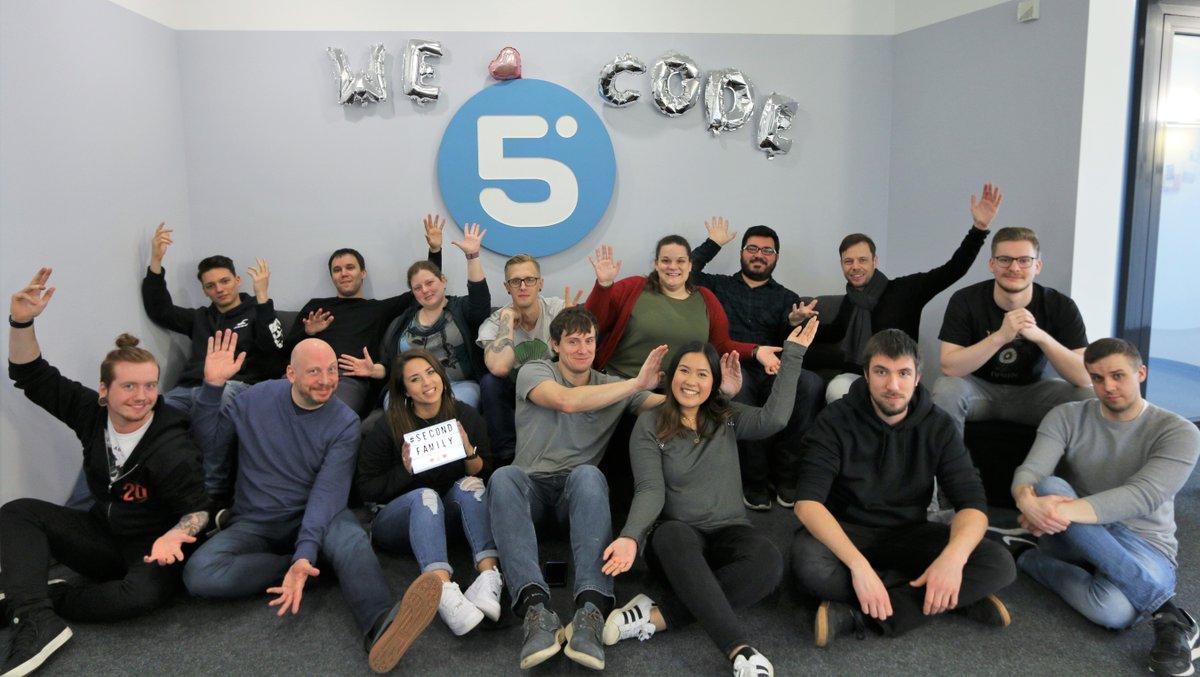 Tillykke med fødselsdagen, @umbraco! Vorgestern wurde das dänische CMS 15 Jahre alt. https://www.byte5.de/news/15-jahre-umbraco-von-meilensteinen-und-zukunftsplaenen/… Das #HQ feiert und #byte5 feiert mit!  Außerdem werfen wir einen Blick auf bisher Erreichtes und Zukunfts-Tüfteleien. #oldiebutgoldie #dotnetcore #h5yrpic.twitter.com/cHF8zlNigp