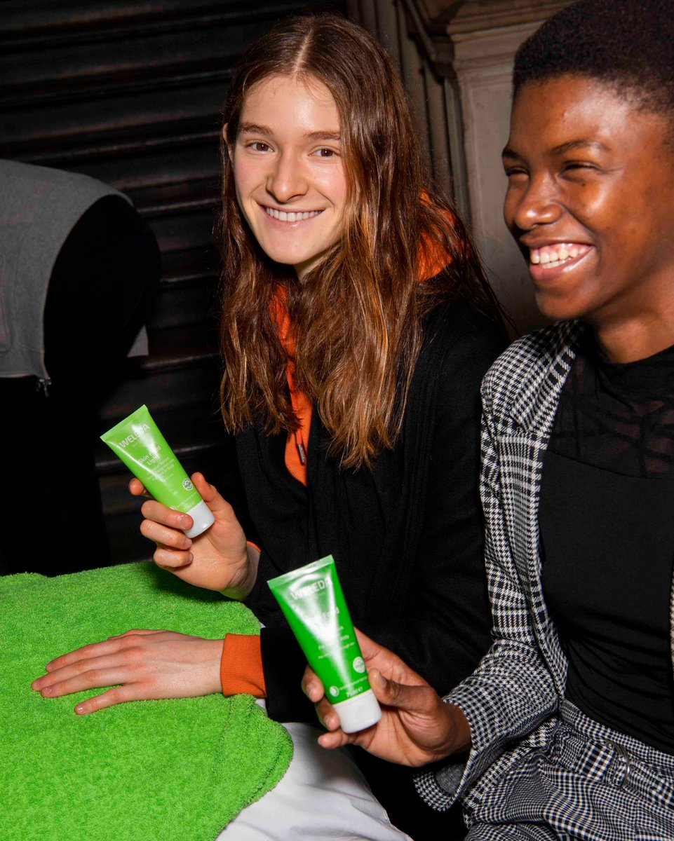 The wellbeing star backstage at @victoriabeckham, Skin Food has stood the test of time. An intensive moisturiser for dry, sensitive skin, a tube of Skin Food sells every 16 seconds 💚 #SkinFoodSelfie #VBAW20