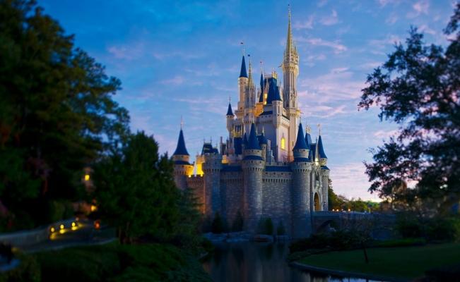 #QuieroViajar El Castillo de Cenicienta en Disney World tendrá una remodelación. El cambio en el parque temático de Orlando se completará en este verano http://eluni.mx/h6lshsawq  Vía #Univ_Destinos  #QuieroViajarMxpic.twitter.com/ItpN8UozdL