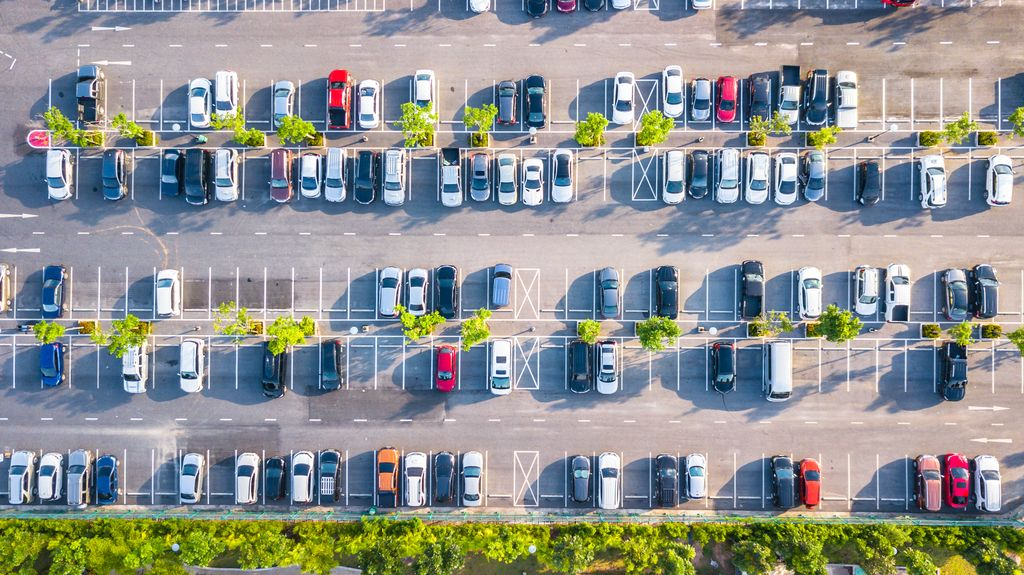 Investors See Value in Urban Parking Lots - as Future Multifamily Buildings. Since 2013, the average annual volume of urban parking lot sales totaled $130 million - up from annual volume of under $100 million from 2009 to 2012. https://buff.ly/2u9BPIx pic.twitter.com/mSNiaxqre6