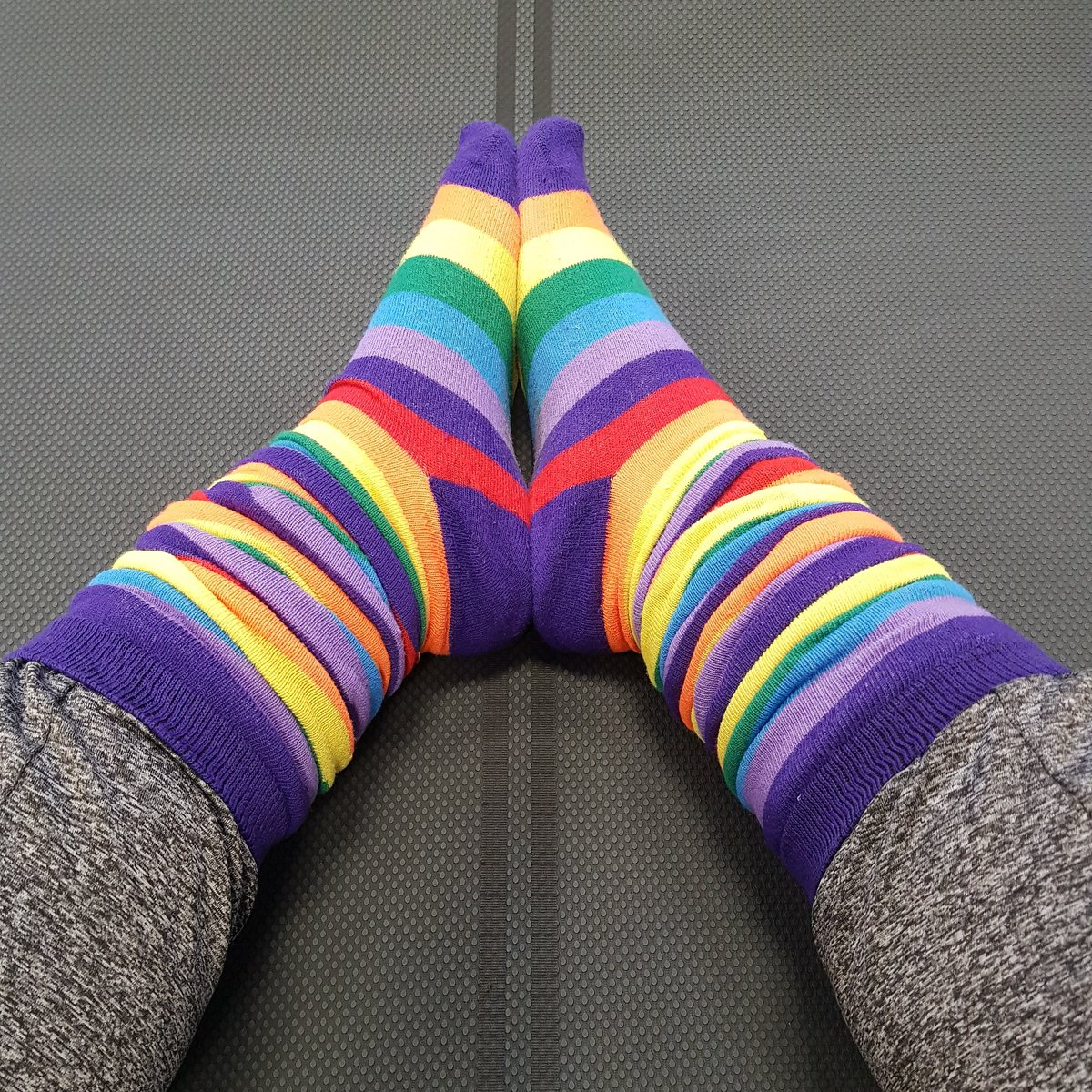 Awesome workout this morning and now bringing a bit of colour to pilates! 🧘♀️💚 #tuesdayvibes #workout