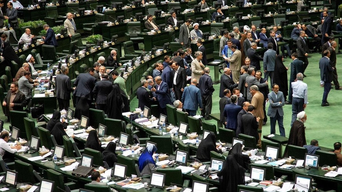 OPINION: Having secured the results of the Friday elections, the hardliners must expect that the new crop of Iran's parliamentarians would return the favor and push an even more bellicose regional policy, writes @abuhamad1 http://arab.news/bfdkxpic.twitter.com/Dj9mKxcBmN