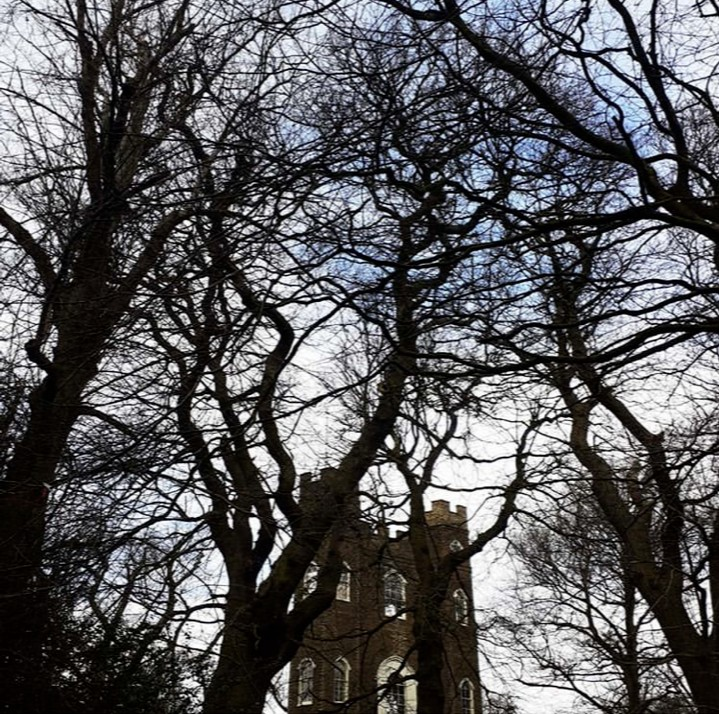 Severndroog Castle is on the hunt for new enthusiastic volunteers. Do you have some spare time and a love of history and culture? Join us in bringing the castle to life and support us behind-the-scenes. ➡️severndroogcastle.org.uk/volunteer.html 📷@malaikamonroe