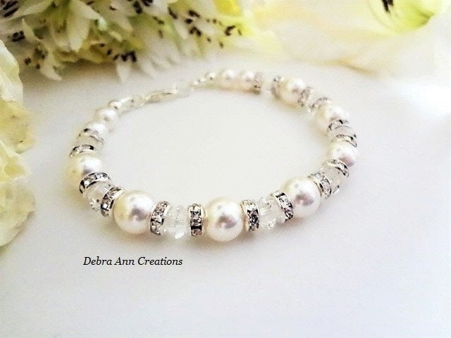 Sharing for Debra Becker on Etsy  Really love this, from the Etsy shop DebraAnnCreations. https://etsy.me/3bKjFhr #etsy #weddings #jewelry #bracelet #swarovskibracelet #weddingjewelry #bridebracelet #pearlbridaljewelry #formalbracelet #customjewelrypic.twitter.com/qvqObdpi15