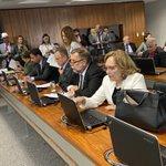 Image for the Tweet beginning: Relatei na Comissão de Educação
